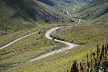 Caucasian Challenge mountain road adventure rally Mercedes 4x4