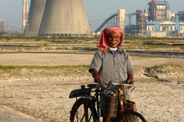 Rickshaw Challenge Classic Run Chennai to Trivandrum crazy adventure tuk tuk race in India bicycle man power plant