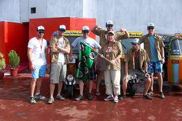 Rickshaw Challenge Deccan Odyssey tuk tuk race in India team start