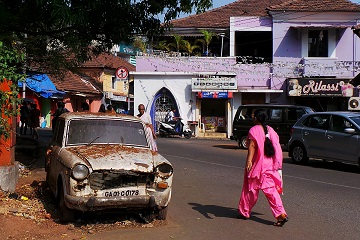 Travel Scientists adventure rally India's Cup Hindustan Ambassador wreck race drive Amby in India