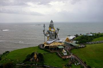 Rickshaw Challenge Mumbai XPress Goa to Chennai crazy adventure tuk tuk race in India Lord Shiva shrine