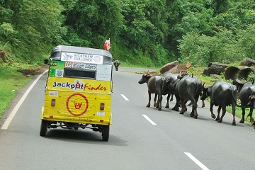 Tuk Tuk autorickshaw road trip adventure in India