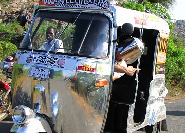 Rickshaw Challenge Travel Scientists tuk tuk race in India