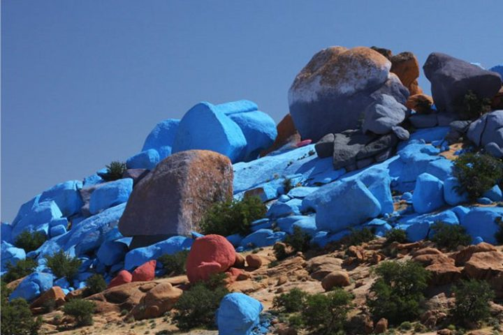 Discover the blue rocks of Tafraoute.