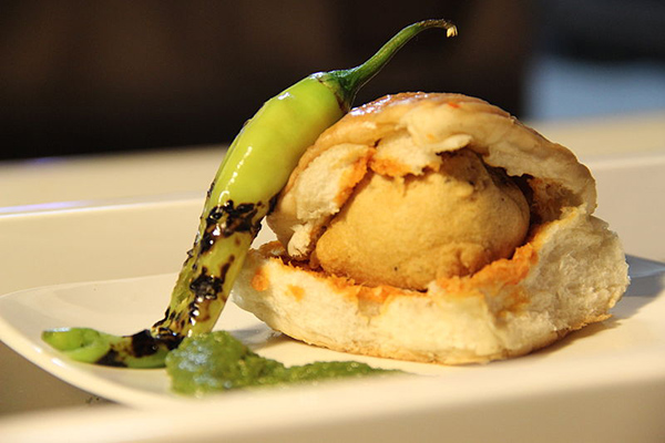 vada pav culinary guide india